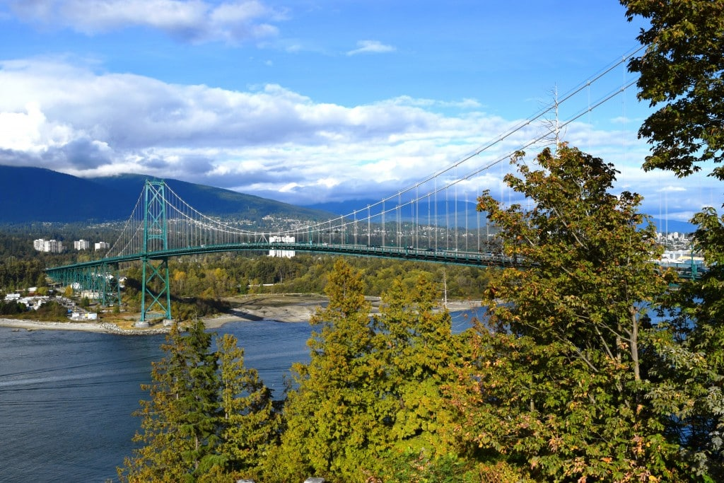 Lion's Gate Bridge, Vancouver - Global Storybook