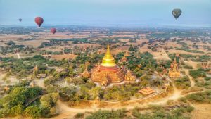 Hot air ballooning in Bagan