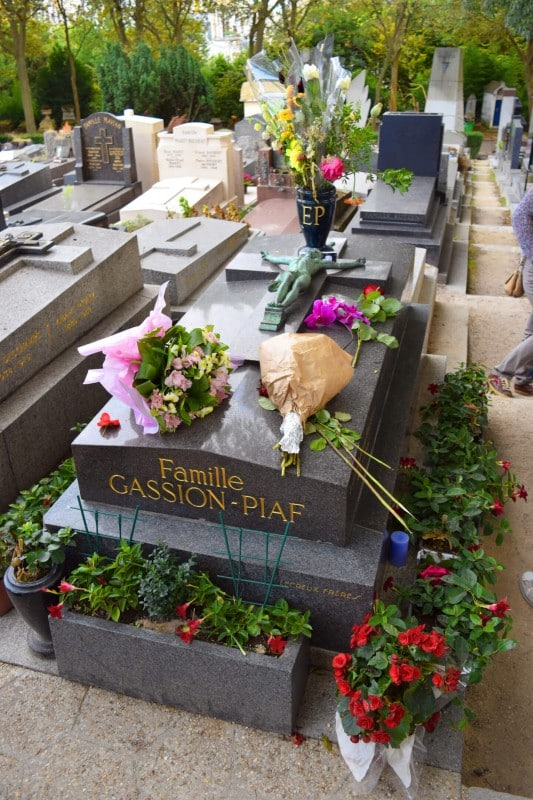 Pere Lachaise Cemetery, Paris - Global Storybook