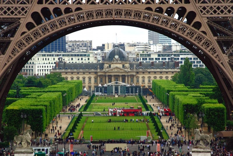 Champ de Mars, Paris - Global Storybook