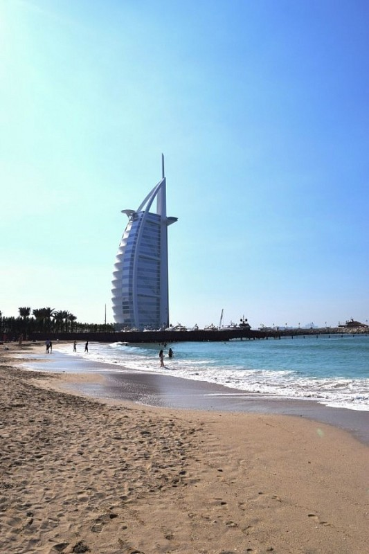 The famous 7-star hotel: Burj Al Arab