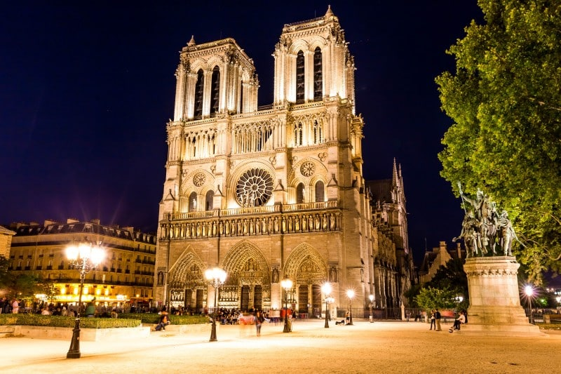 Notre Dame de Paris - Global Storybook