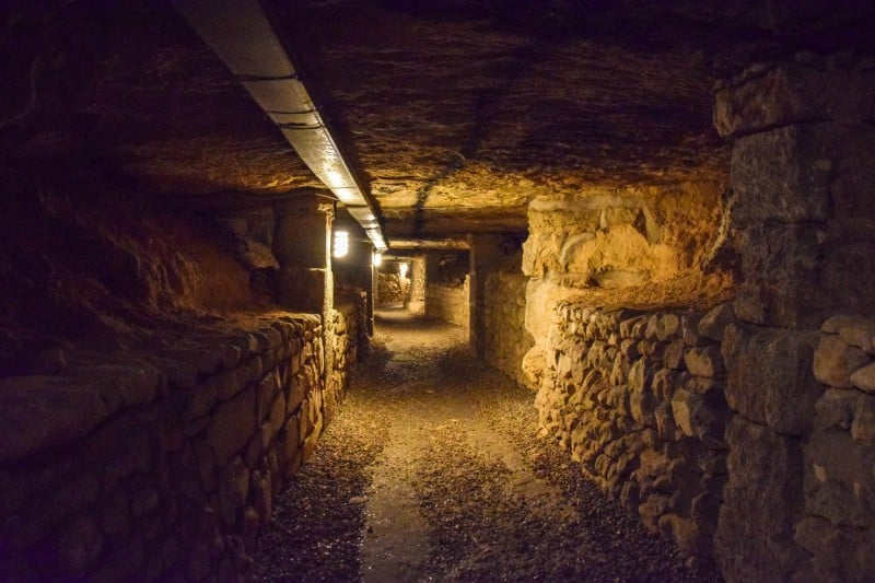 Les Catacombs, Paris - Global Storybook