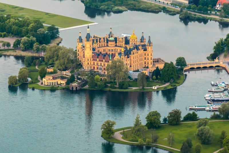 Castle Schwerin, Germany - Global Storybook
