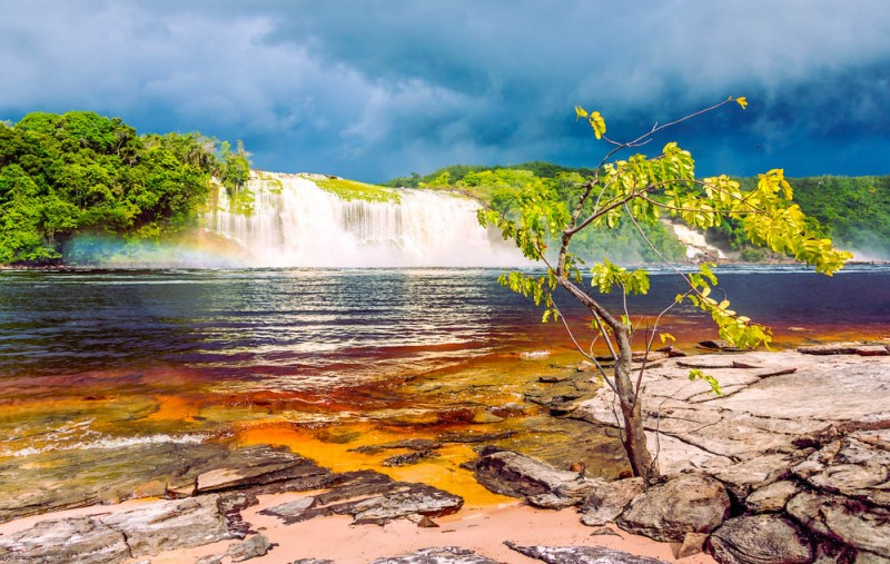 Hacha waterfall in the lagoon of the Canaima national park, Venezuela - Global Storybook
