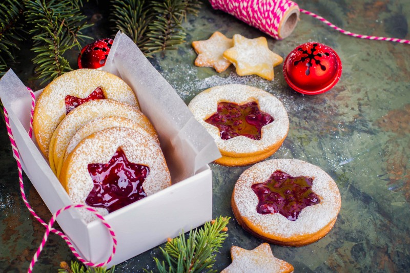 Linzer Christmas Cookies - Global Storybook