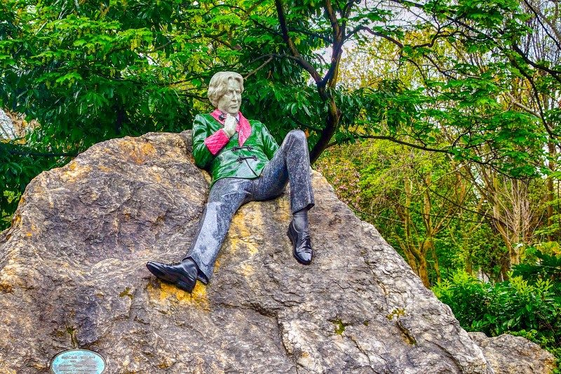Statue of Oscar Wilde at Merrion Square