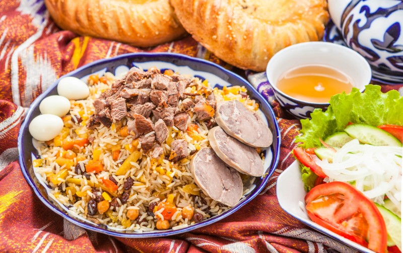 Palov - Main Dish With Rice, Meat, Raisins and Carrots Recipe (Uzbekistan) - Global Storybook